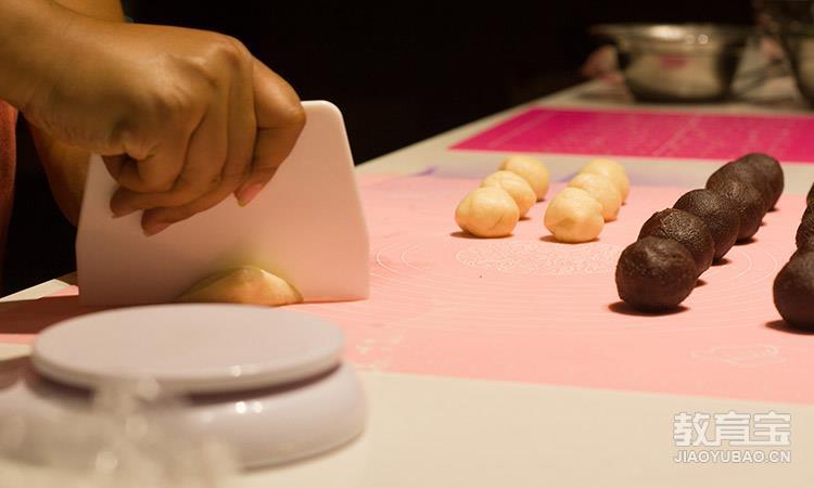广州萌货蛋糕西点培训学校